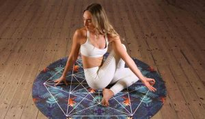 7-Quick-Tips-to-Know-About-Before-Starting-a-Yoga-Class