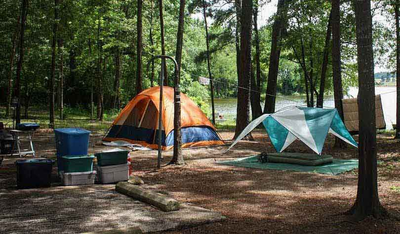 Your-camping-tent-near-rivers-and-lakes